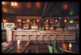 Late Night Bar - Byron Bay (GLJ1905)