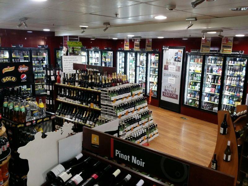 Bottle Shop / Liquor Store in CBD (CF132)