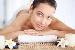 Beauty Salon with Skin Care * 5 days * Tkg $6500+ pw* South East(1811051)