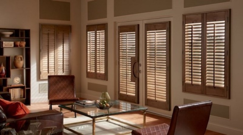 Manufacturer & Importer of Curtains & Blinds  (Ref 5853)