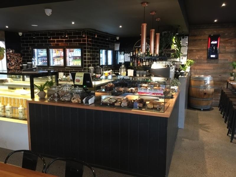 Cafe  'Melb Western Corridor'  Call Simon 0413 953 781  (Ref 5698)