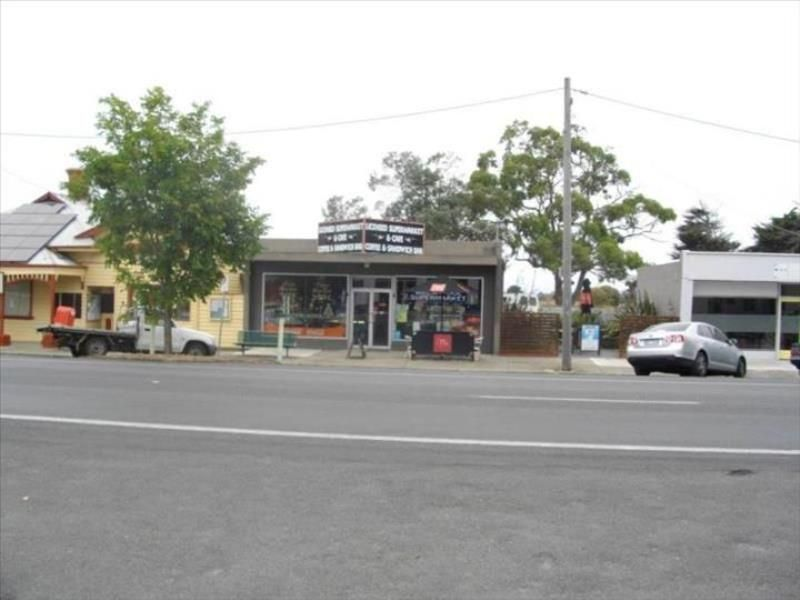 cafe-busy-licensed-supermarket-freehold-and-business-3