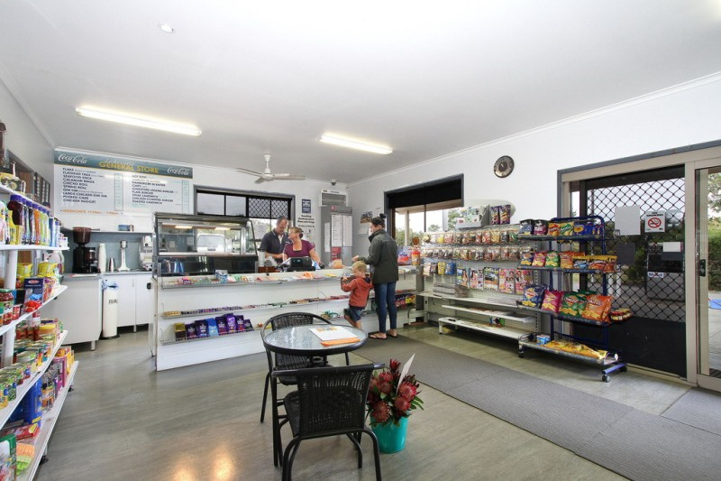 general-store-freehold-business-with-excellent-residence-2