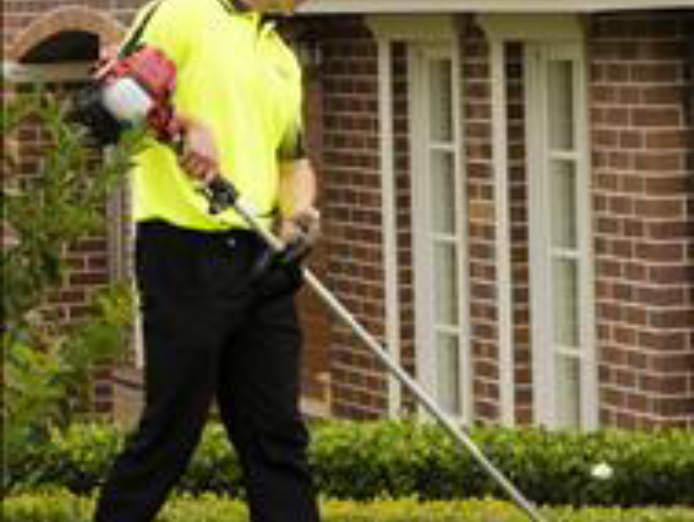 fox-mowing-gardening-larger-territories-bigger-opportunities-fairer-fees-1
