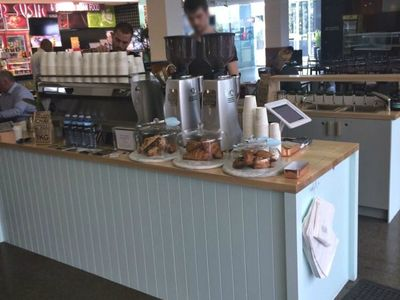 specialty-espresso-bar-in-busy-cbd-office-tower-our-ref-v1575-8