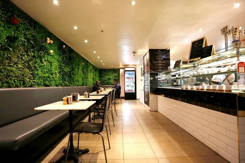 beautiful-cafe-on-st-kilda-road-taking-9-000-pw-for-sale-our-ref-v1433-0