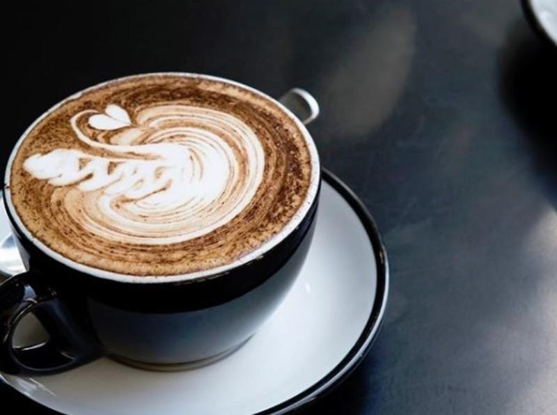 blue-chip-brighton-cafe-taking-13-000-per-week-our-ref-v1395-7