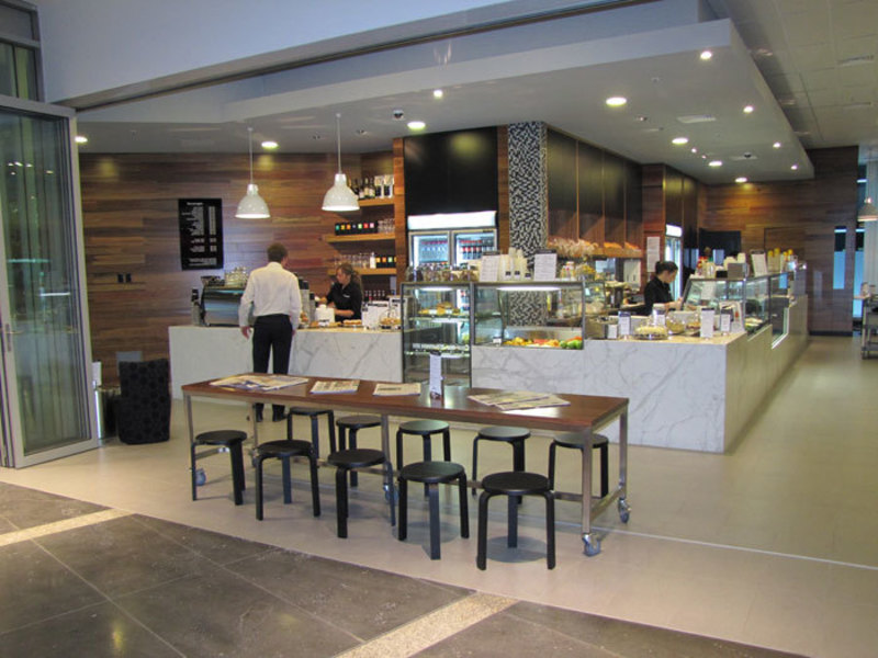 Immaculate St. Kilda Rd, 5 Day Corporate Cafe Tkg $15,000 pw (Our Ref V1100)