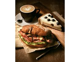 TOP PERFORMING 5-DAY CBD CAFÉ/LUNCHBAR (6459)