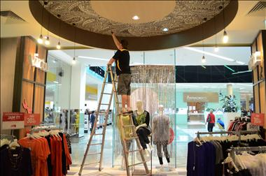 VIP Lighting-Newcastle -Retail Maintenance: EXISTING CLIENTS & EXCELLENT REVENUE