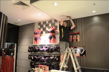 VIP Lighting- South/East Melbourne - Globe/Electrical/ESM - Retail Maintenance