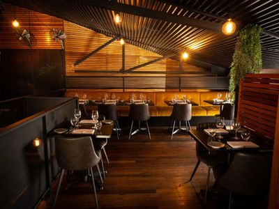 hatted-bar-restaurant-with-profits-amp-lifestyle-1