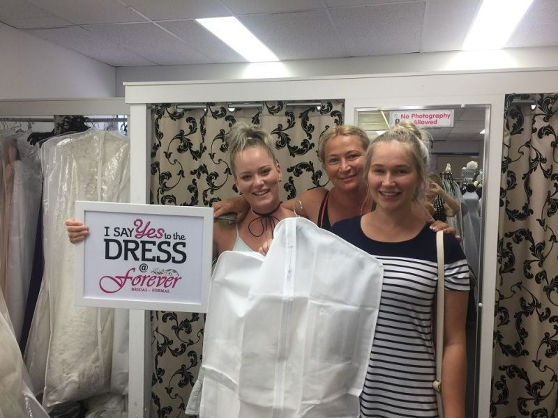 successful-wedding-shop-selling-bridal-formal-sunshine-coast-queensland-4