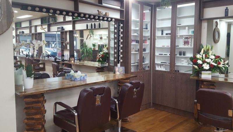 HAIR AND BEAUTY SALON  SELLING UNDER SET-UP COST