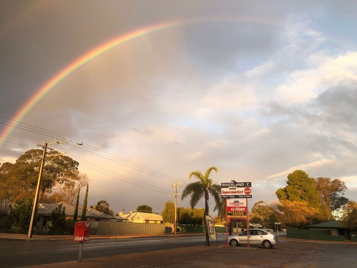 riverland-mini-supermarket-with-australia-post-and-sa-lottery-2