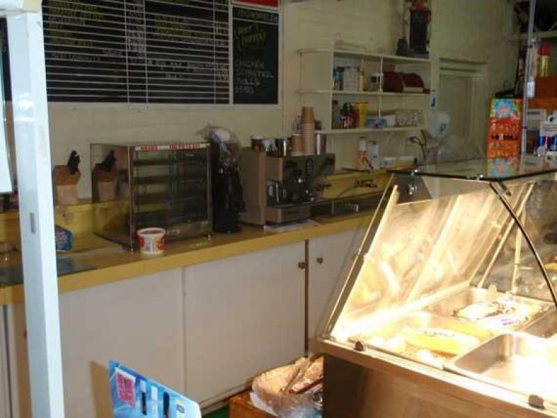 colbinabbin-general-store-and-post-office-selling-freehold-with-3br-residence-9