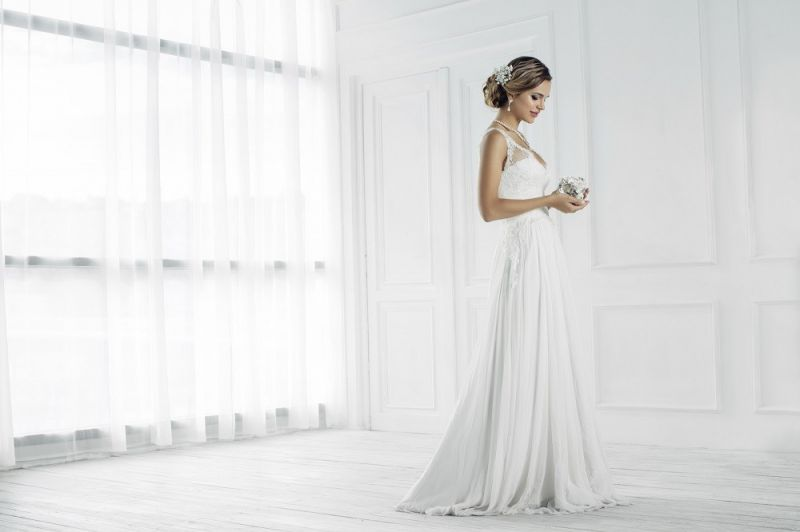 successful-wedding-shop-selling-bridal-formal-sunshine-coast-queensland-7