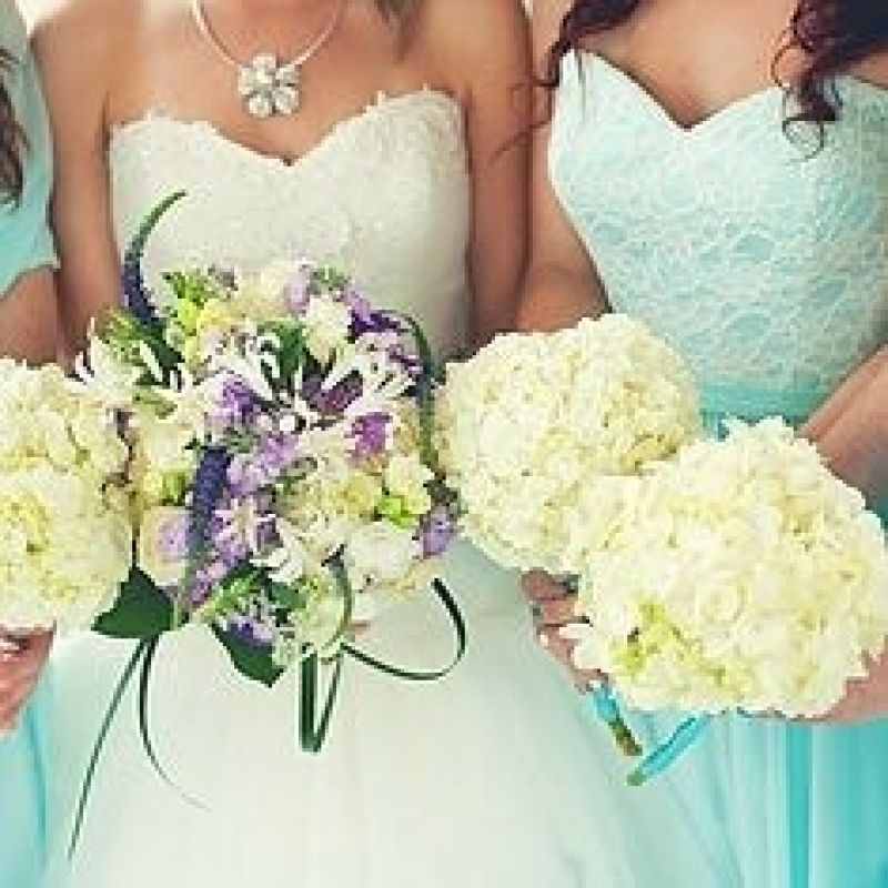 successful-wedding-shop-selling-bridal-formal-sunshine-coast-queensland-1