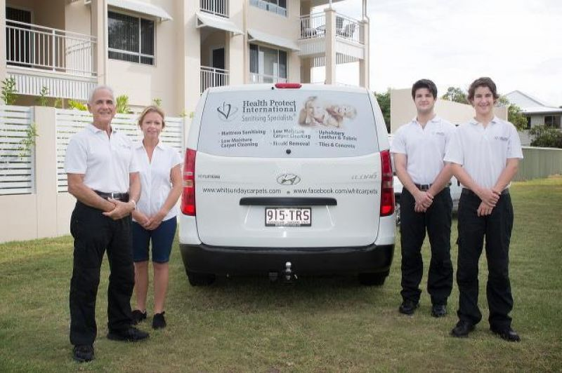 LIVE AND WORK ON HAMILTON ISLAND  LIFESTYLE CARPET CLEANING BUSINESS