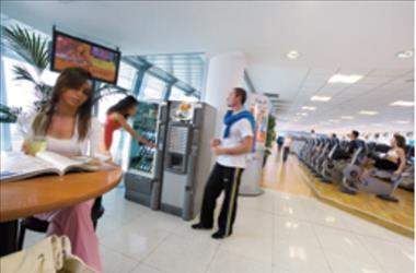 14-vending-machines-all-in-one-high-rise-office-building-2